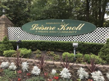 Leisure Knoll Sign