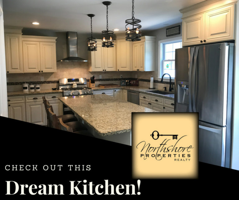 Picture of kitchen in 587 Blue Point Rd, Holtsville