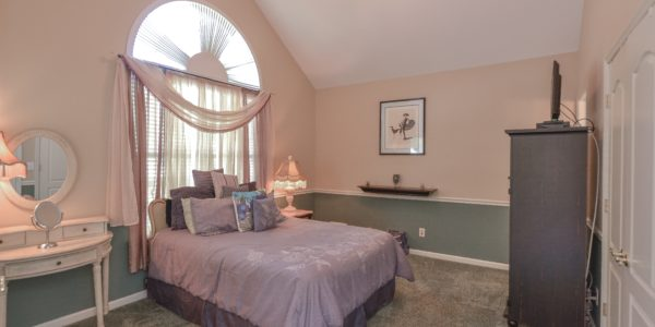 95 Constantine Way – Bedroom 1 (1 of 1)