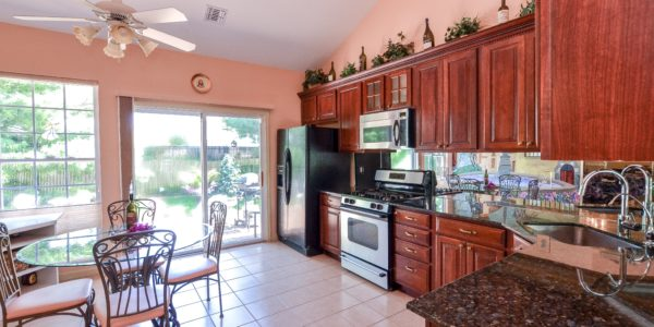 95 Constantine Way – Kitchen 2 (1 of 1)