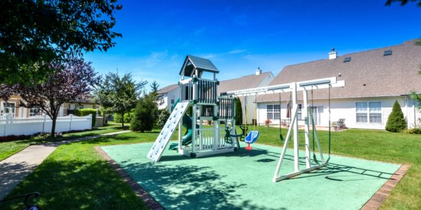 95 Constantine Way – Playground (1 of 1)
