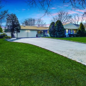 6 Pensdale Court Stony Brook