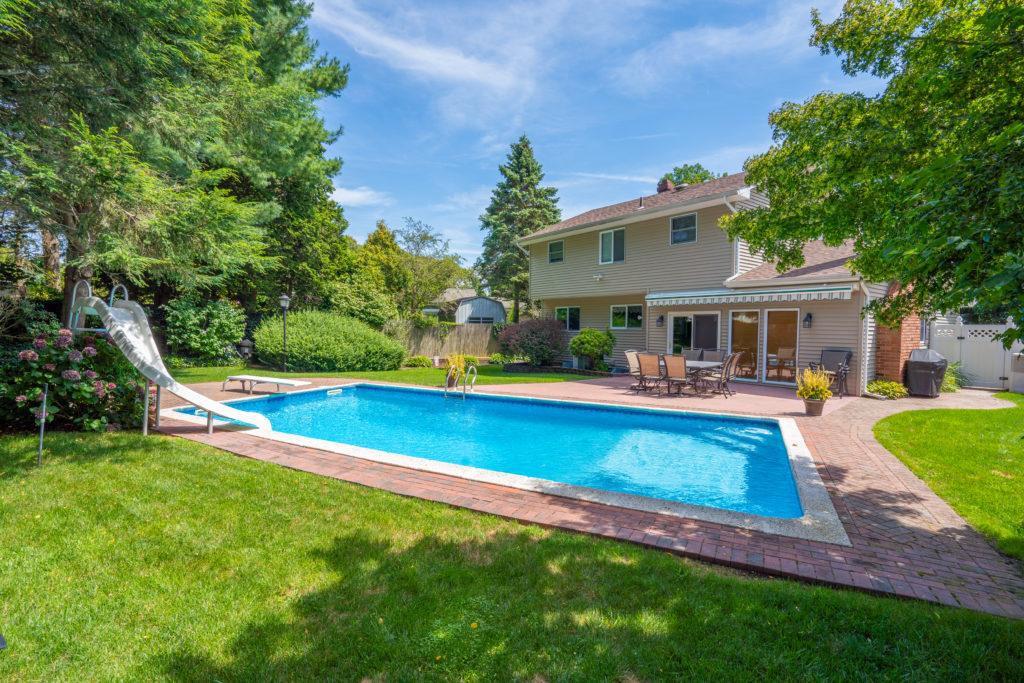 113 Patchogue Rd Rocky point